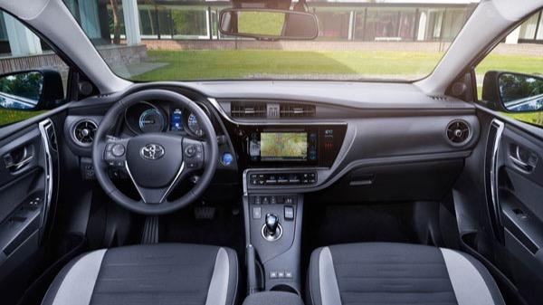 Toyota Auris Touring Sports 1 8 100kw Auto Informatie Anwb