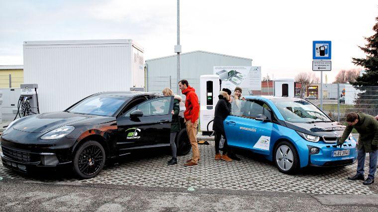 Laadpaal Bmw En Porsche In 3 Minuten Weer 100 Kilometer Elektrisch