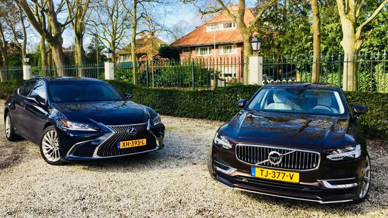 Dubbeltest Lexus ES 300h vs. Volvo S90 Twin Engine