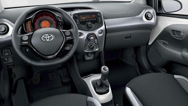 toyota aygo x fun priv leasen vanaf 199 p m anwb private lease. Black Bedroom Furniture Sets. Home Design Ideas