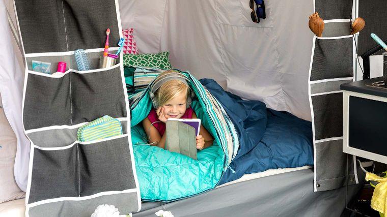 Slapen Op De Camping Kampeerbenodigdheden Anwb