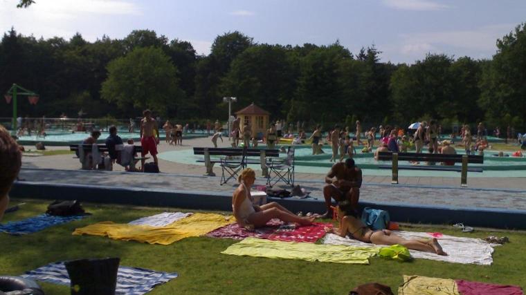 Bosbad De Vuursche.Openluchtzwembad Geschikt Voor Jonge Gezinnen