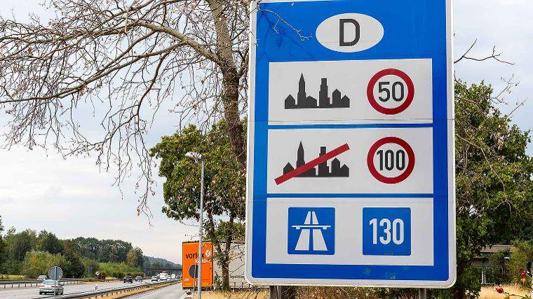 https://www.anwb.nl/binaries/content/gallery/anwb/portal/vakantie-redesign---alleen-nieuw-formaat/verkeersborden-landeninfo/duitsland/verkeersbord-duitsland.jpg/verkeersbord-duitsland.jpg/anwb%3Aw760